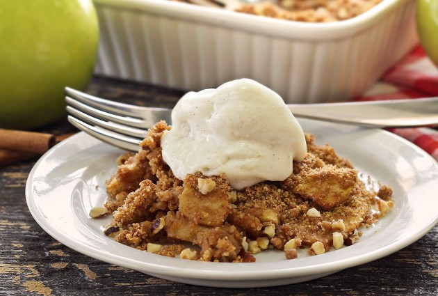 PaleoNewbie-apple-crisp-1266x850-wrp50-630x425